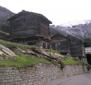 Abb. 1: Wohnhaus, Saas Fee, Schweiz