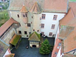 Innenhof der Ronneburg in Hessen
