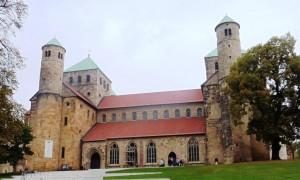 Das Kirchenbauwerk ist auf einer 2,20 € Briefmarke - und auf einer 2 € Gedenkmünze abgebildet