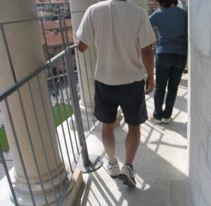 Nach den letzten Renovierungsarbeiten 2001 wurde zur Sicherheit der Besucher ein provisorisches Geländer angebracht