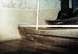 Der Holzabrieb nach mehr als 400 Jahren, beträgt weniger als 40 mm