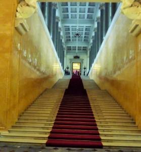 Die Treppe überwindet eine Höhe von 8,30 m
