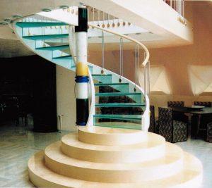 Die erste Treppe mit Glasstufen, Baujahr 1990 , die vom Unterzeichner hergestellt wurde
