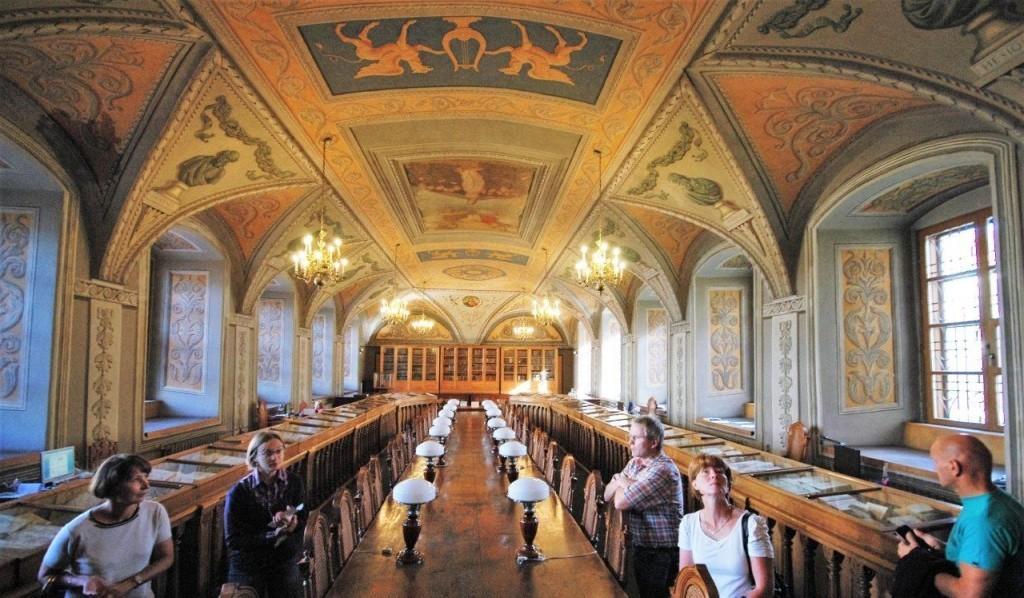Die Universität wurde 1570 als ein Jesuitenkollegium gegründet