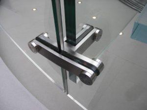 Das Verbindungsteil von Treppenstütze und Wange