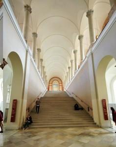 Die Bayerische Staatsbibliothek (BSB) in München ist die zentrale Landesbibliothek des Freistaates Bayern